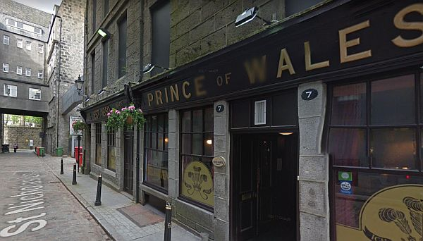 A Google StreetView Image of the Prince of Wales Pub, St. Nicholas Lane, Aberdeen. The Bon-Accord Music Hall was situated in the now vacant site next door, having been demolished in 1993. - Click to Interact.
