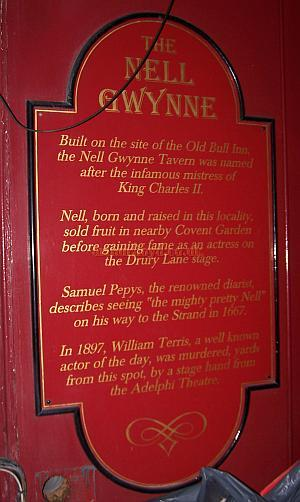 Sign about the murder of William Terriss attatched to the Nell Gwynne Tavern in Old Bull Court which still runs alongside the Aldwych Theatre in 2006.
