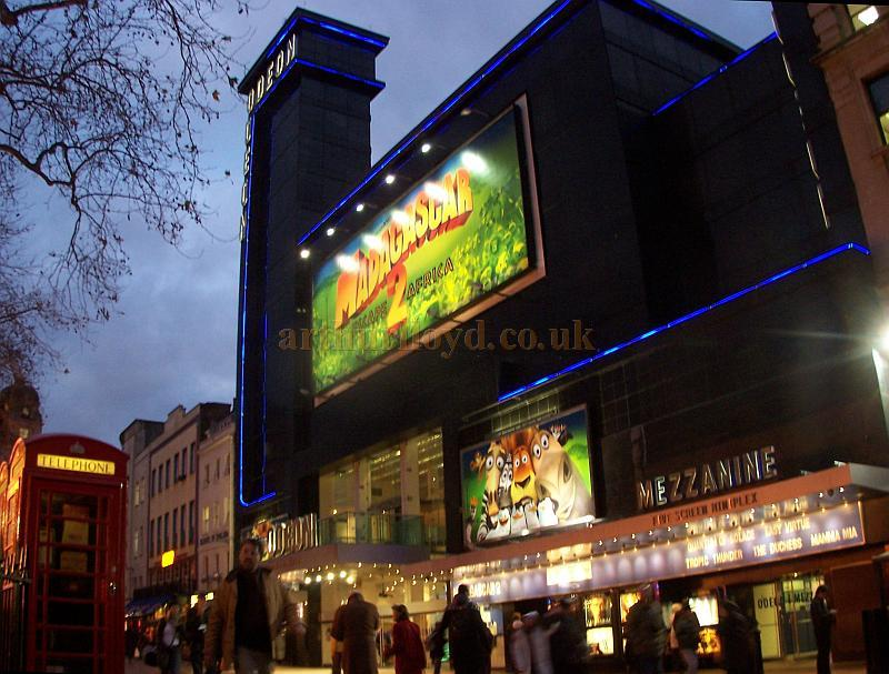 The Odeon Leicester Square in December 2008, the Cinema was built on the site of the former Alhambra Theatre and Royal Panopticon of Science and Art - Photo M.L.