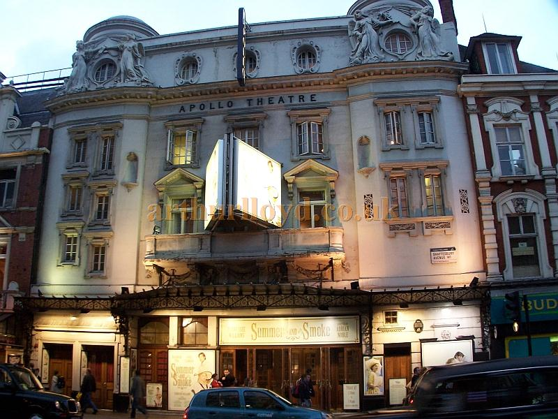 The Apollo Theatre, Shaftesbury Avenue during the run of 'Summer and Smoke' in October 2006 - Photo M.L.