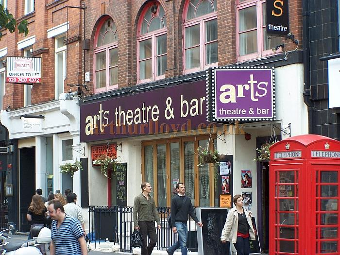 The Arts Theatre in October 2006 - Photo M.L.