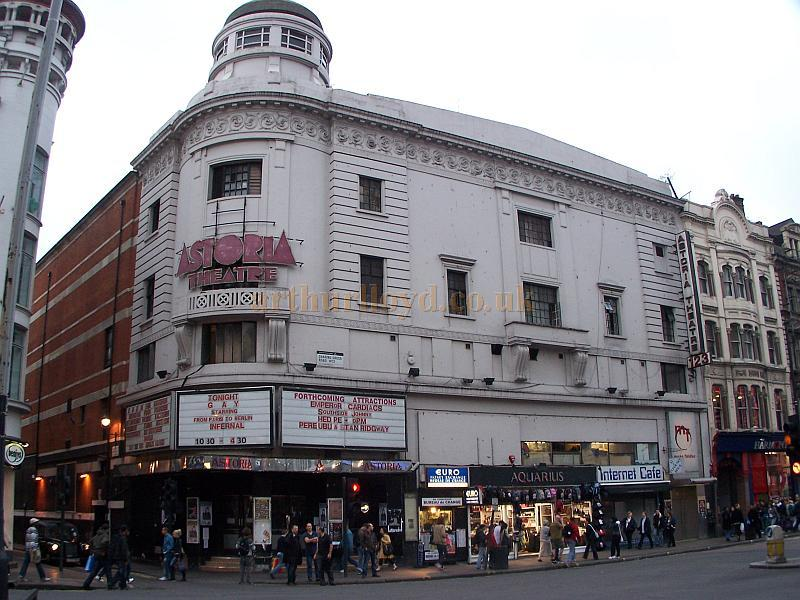 The Astoria Theatre in 2006 - Photo M.L.