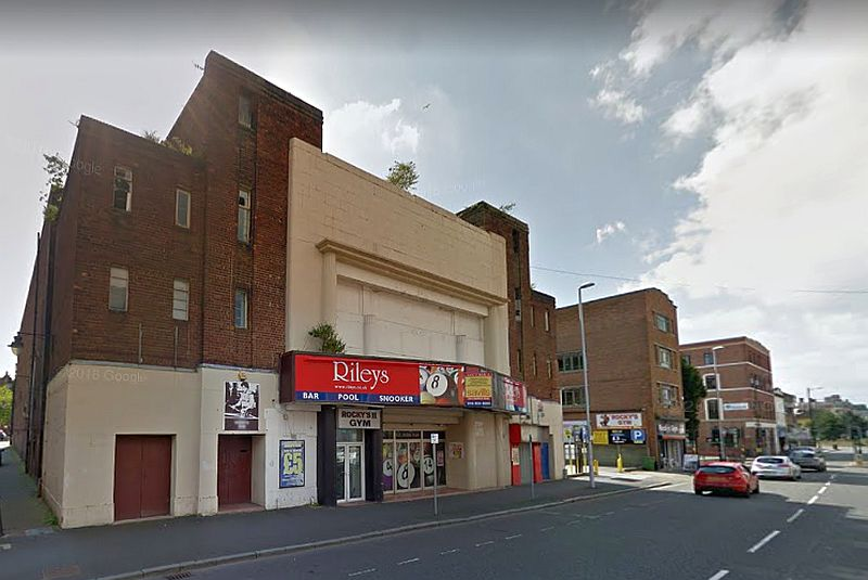 A Google StreetView Image of the Savoy Cinema, Birkenhead, formerly the site of the Theatre Royal / Scala Picture House - Click to Interact.