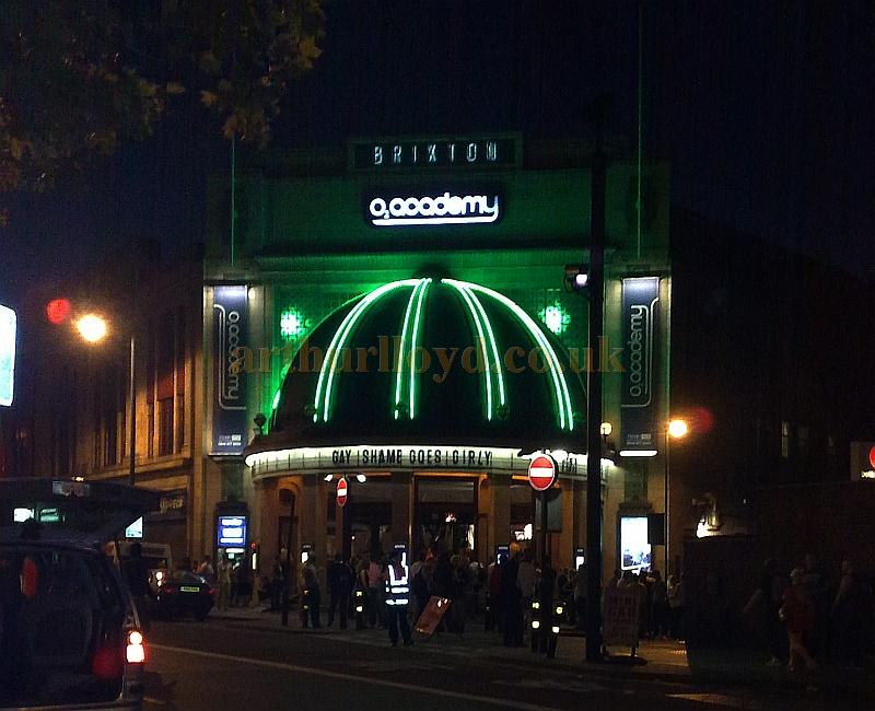The Brixton Academy at night, formerly the Brixton Astoria Theatre, in July 2009 - Photo M.L.