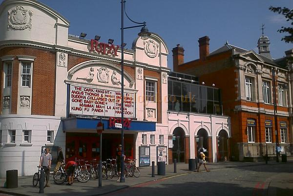 Brixton's Ritzy Cinema, formerly the Electric Pavilion, in 2008 - Photo M.L.