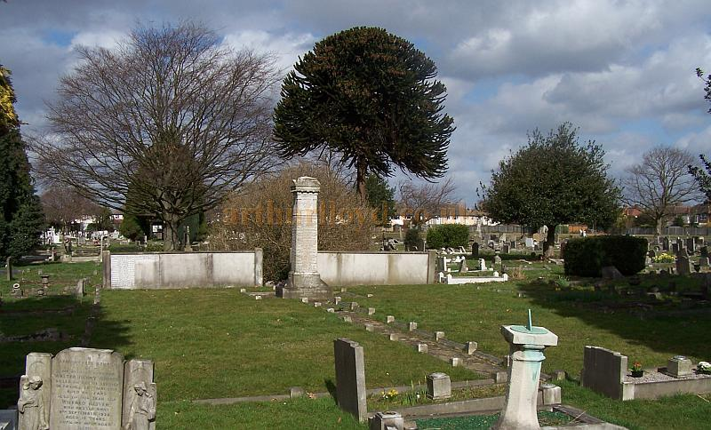 The Twickenham Cemetery Variety Artistes Memorial photographed in 2009 - Courtesy Dai Bevan