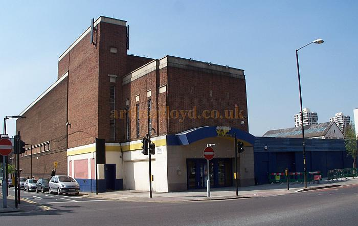 The former Regal Cinema, Camberwell Road - Later the ABC Cinema / Jasmine Bingo Hall / Gala Bingo - Photo M.L. April 2010