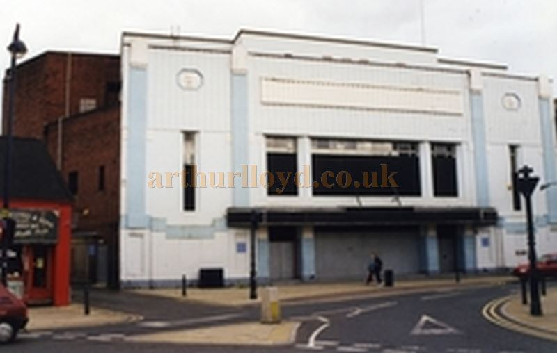 The Dewsbury Playhouse, closed and awaiting demolition in 2002 - Courtesy Ron Lake.