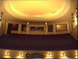 The Circle and Ceiling of the Duchess Theatre in the 1990s. - Photo M.L.