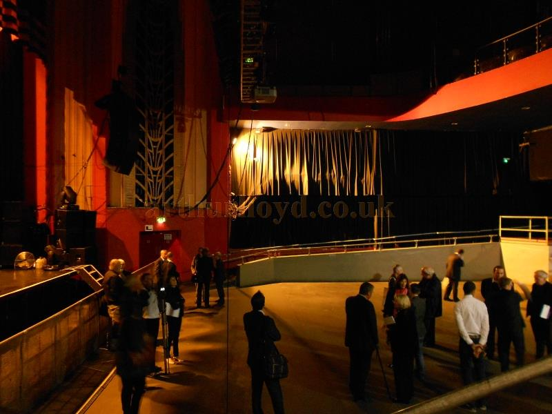 The Auditorium and Stage of the Coronet Theatre in September 2013 - Photo M. L.