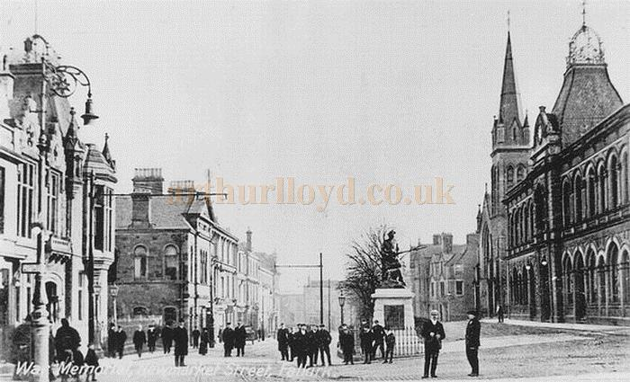 The War Memorial and Town Hall, Newmarket Street, Falkirk - Courtesy Graeme Smith