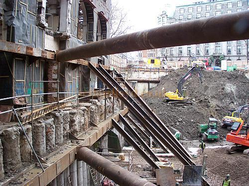 The original entrance to Marconi House can be seen on the left of the site as the Citibank building has finished being demolished and Marconi House is gutted leaving only the retaining walls, in December 2006 - Photo M.L. 06 - Site access kindly granted by Lee Horsley, project manager for the demolition/temporary works/facade retention scheme at the former Citibank/Marconi House. Click for more pictures