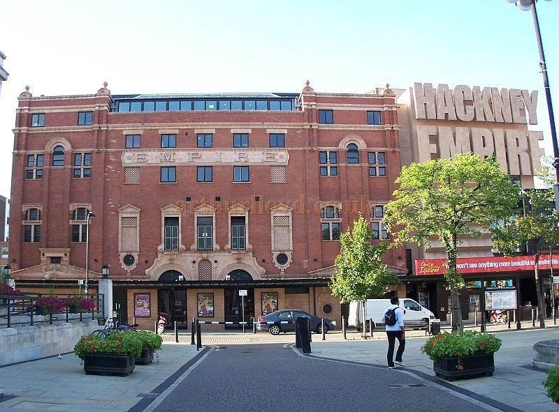 The Hackney Empire's side elevation in a photograph taken in front of the Town Hall in August 2009 - Photo M.L.