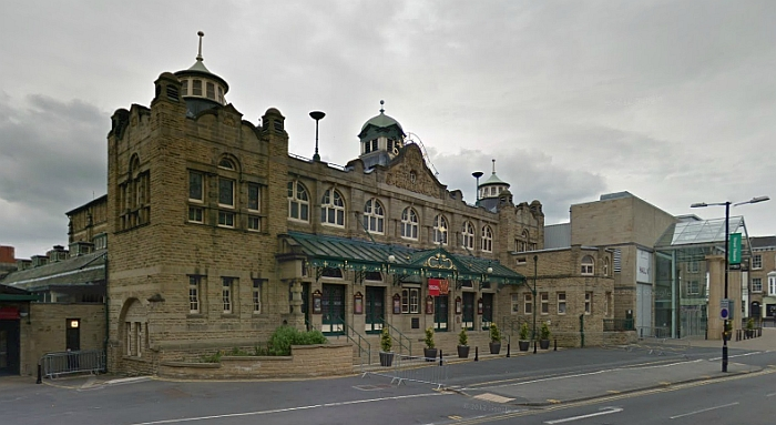 A Google StreetView Image of the Royal Hall, Harrogate - Click to Interact