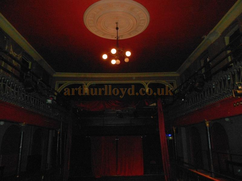 The Interior of the Hoxton Hall in September 2013 - Photo M. L.