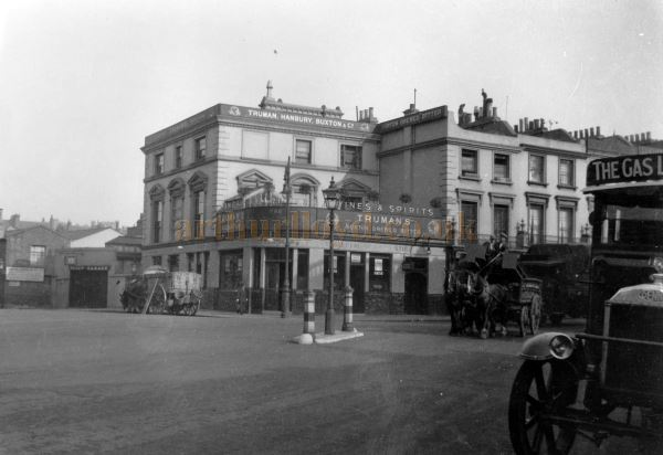 An early photograph of the Priory Tavern on Belsize Road, Kilburn, circa 1927 - Courtesy Ken Mansfield.