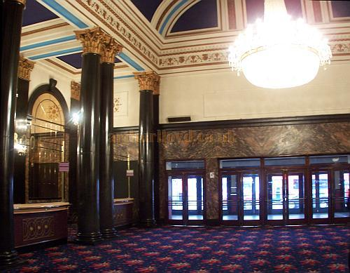 The Foyer and Main Entrance of the Gaumont State, Kilburn in April 2009 - Photo M.L.