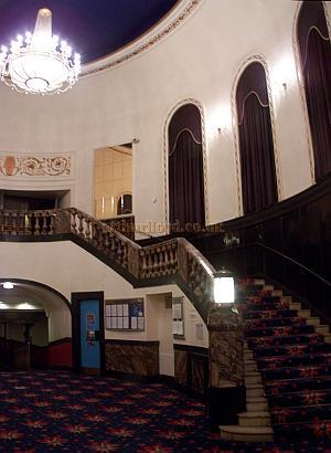 The Grand Staircase leading from the Foyer to the Balcony of the Gaumont State, Kilburn in April 2009 - Photo M.L.