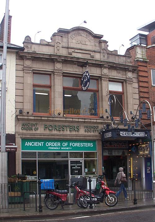 The Tricycle Theatre, Kilburn in April 2009 - Photo M.L.
