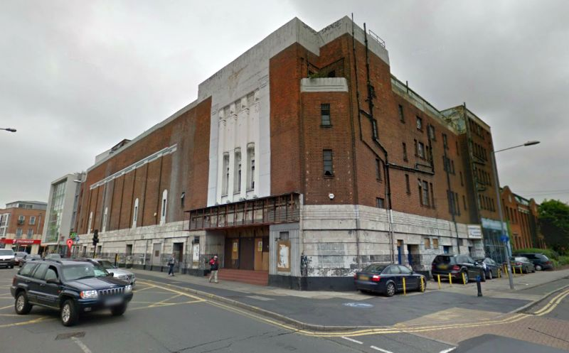A Google StreetView Image of the  Regal Cinema, Kingston, built on the site of the former Cinema Palace Theatre - Click to Interact.