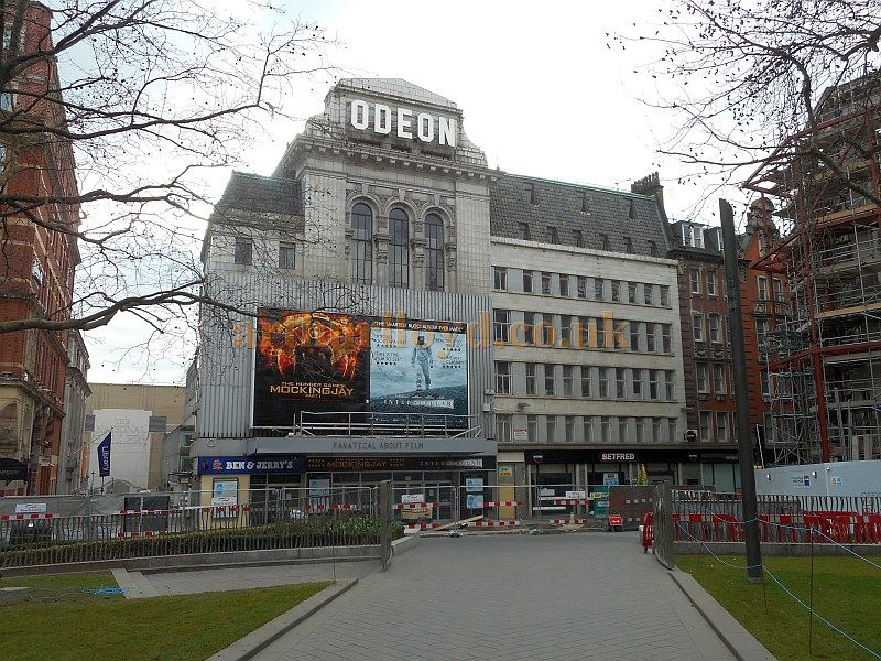 The former Leicester Square Theatre / Odeon West End, closed and awaiting demolition in February 2015 - Photo M.L.