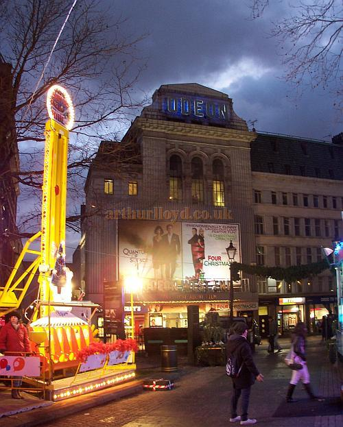 The Leicester Square Theatre, currently known as the Odeon West End, in December 2008 - Photo M.L.