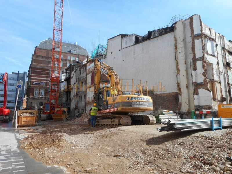 Demolition of the former Leicester Square Theatre / Odeon West End in September 2015 - Photo M.L.