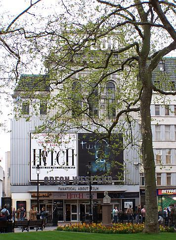 The Leicester Square Theatre in 2005, currently known as the Odeon West End, - Photo M.L.