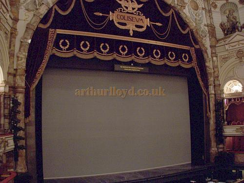 The Proscenium of the London Coliseum in 2007 - Photo M.L.