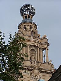 The restored globe of the London Coliseum in 2006 - Photo M..L. - Click to Enlarge.