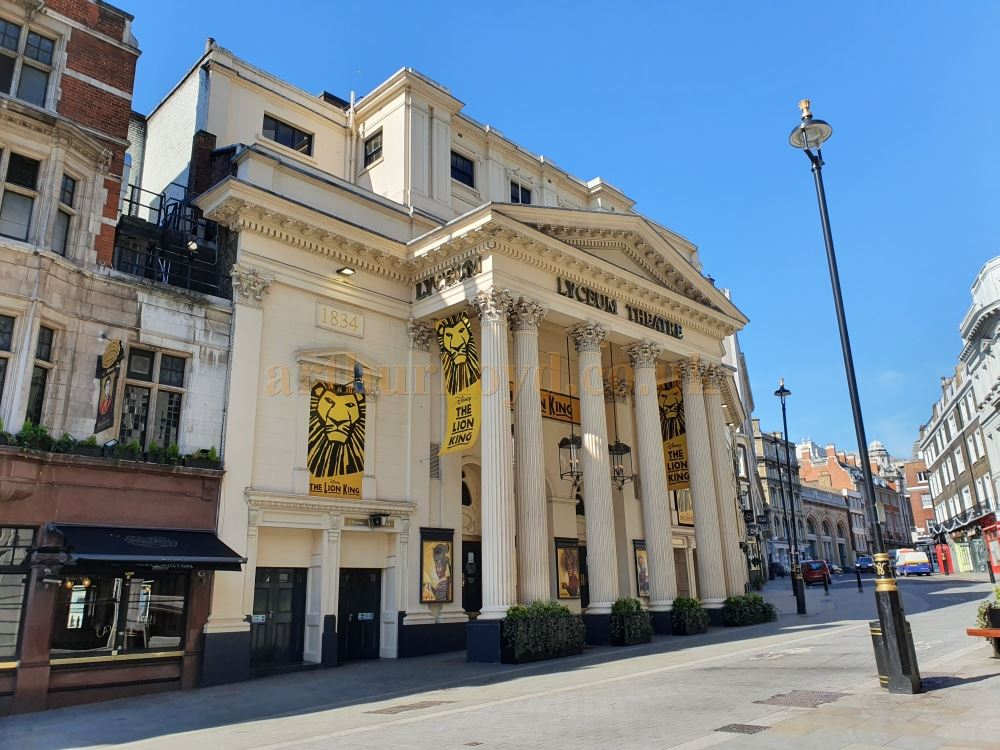 The Lyceum Theatre and an Empty Wellington street, which is usually teaming with people, on March the 23rd 2020 during the Coronavirus Pandemic - Photo M.L.