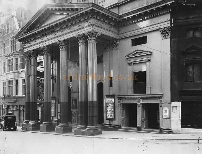 The Lyceum Theatre in 1930 whilst home to a production of 'Traffic' with Mary Glynne and Dennis Neilson Terry.