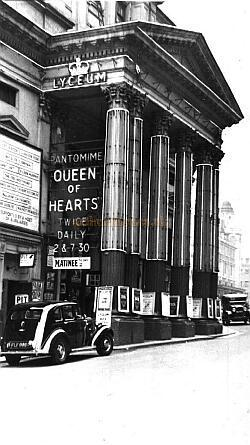 The Lyceum Theatre in 1938 during the run of 'Queen of Hearts.'