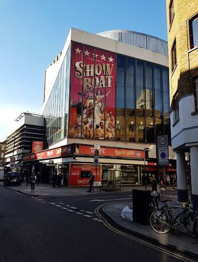 The New London Theatre during the run of 'Show Boat' in April 2016 - Photo M.L.