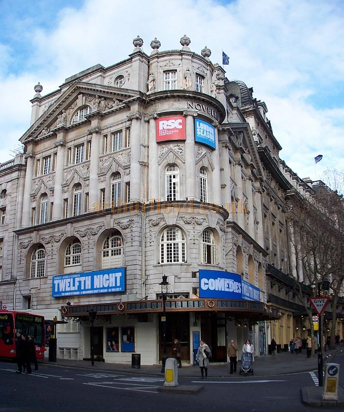 The Novello Theatre on its reopening in December 2005 - Photo M.L.