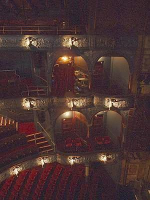 A view of the auditorium of the Palace Theatre from the balcony in 2004. - Photo M.L.