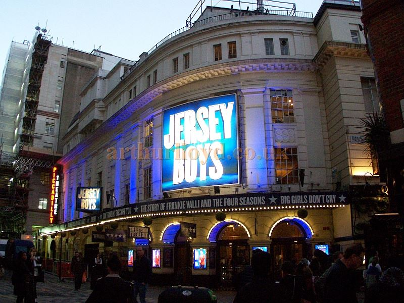 The Piccadilly Theatre during the run of 'Jersey Boys' in October 2014 - Photo M.L.