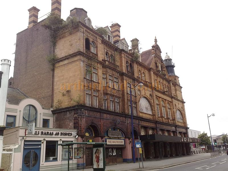 The Palace Theatre, Plymouth in June 2011 - Photo M.L.