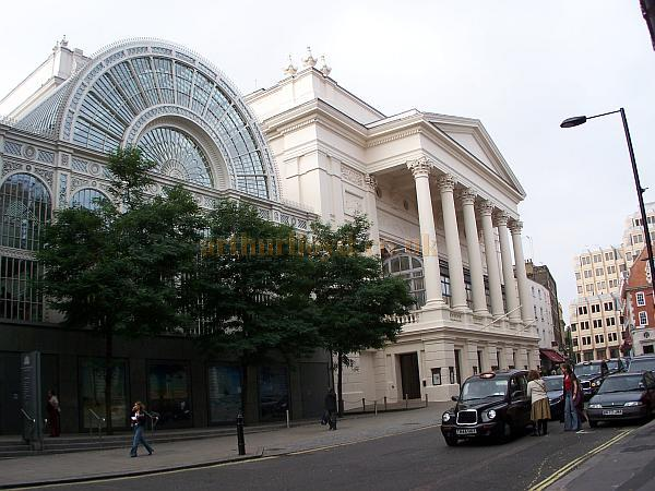 The Royal Opera House, Covent Garden, and Floral Hall, looking up Bow Street in October 2006 - Photo M.L. - Click to Enlarge