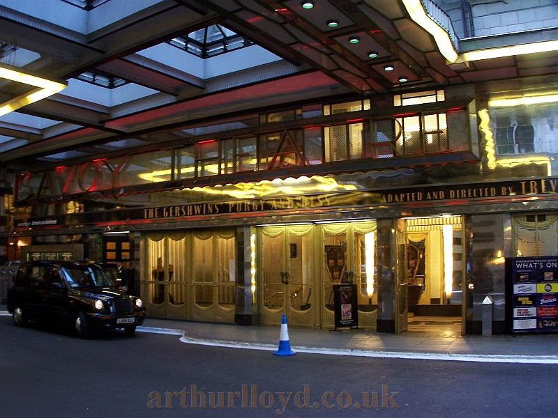 The Savoy Theatre during the run of 'Porgy And Bess' in October 2006 - Photo M.L.