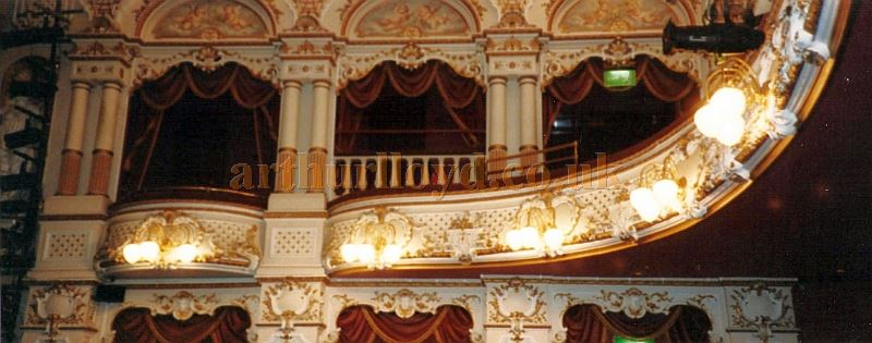 A photograph of the Sheffield Lyceum Auditorium after its 1990 refurbishment - Courtesy David Garratt.