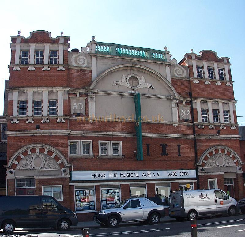 The Palace Theatre, Westcliff-on-Sea, Southend in August 2009 - Photo M.L.