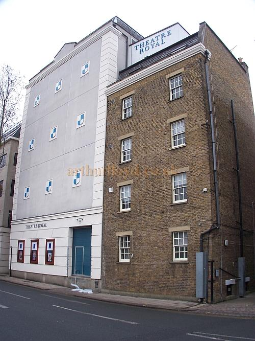 The rear elevation and dressing room block of The Theatre Royal, Windsor in December 2010 - Photo M.L.