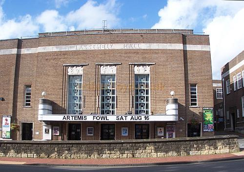 The Assembly Hall, Tunbridge Wells in August 2008 - Photo M.L.