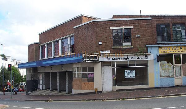 The former ABC Cinema, Tunbridge Wells in August 2008 - Photo M. L.