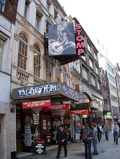 The Vaudeville Theatre during the run of 'Stomp' in October 2006 - Photo M.L.