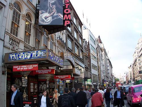 The Vaudeville Theatre, looking up the Strand, during the run of 'Stomp' in October 2006 - Photo M.L.